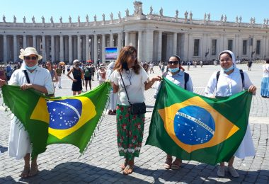 Em oração pelo Brasil